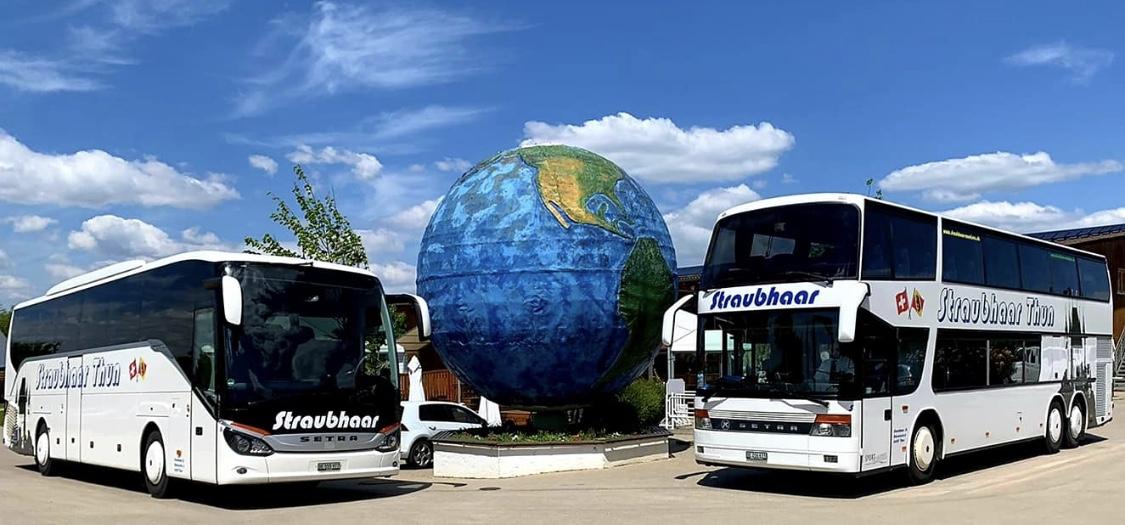 Weltkugel 2 Busse